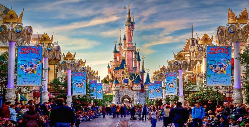 Visiting of Disneyland at a special price for participants